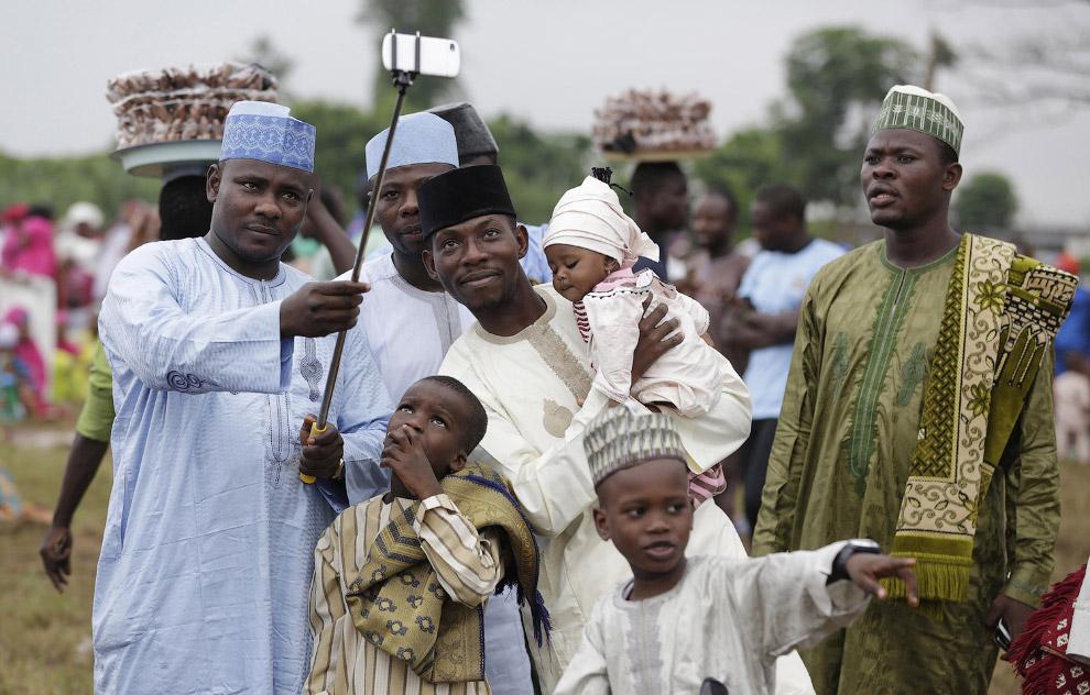 Нет, в Нигерии не все отсталые и лазят по деревьям