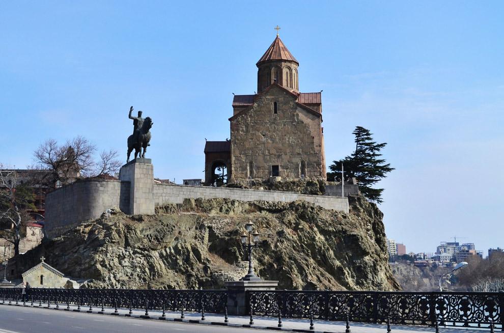 Метехи —В VIII веке на Метехской скале