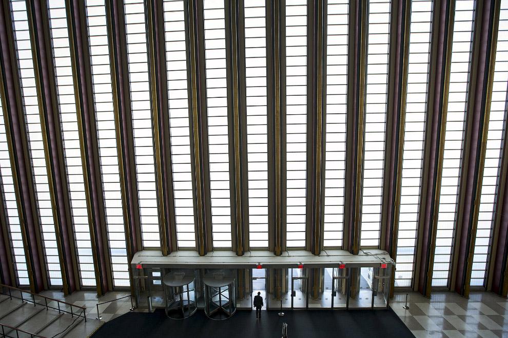 Главный вход и выход из здания ООН