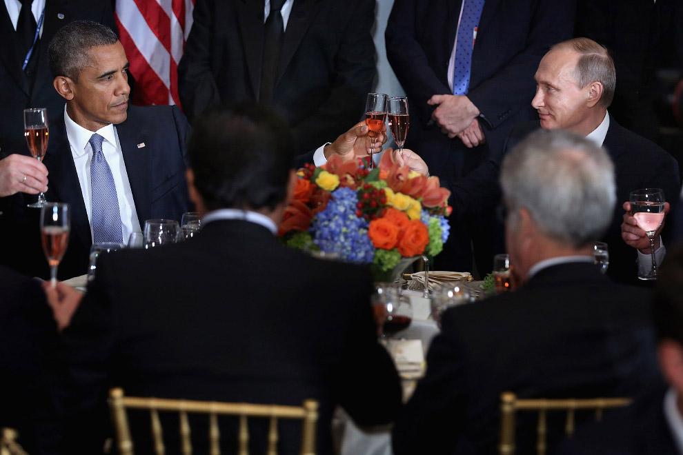Барак Обама и Президент России Владимир Путин во время обеда, организованного Генеральным секретарем ООН Пан Ги Муном
