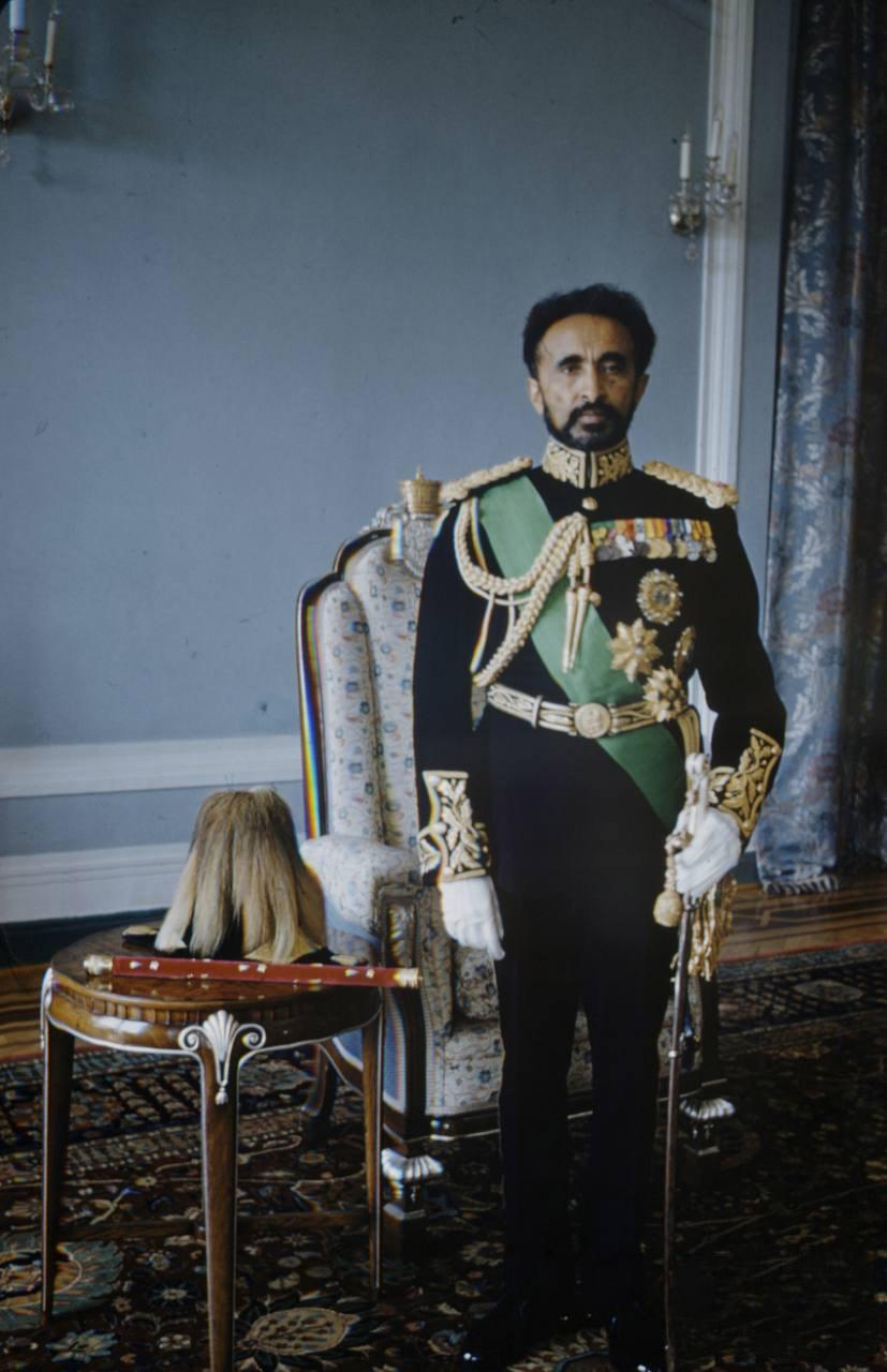 В Эфиопии зенит правления императора Хайле Селассие I, сидевшего на троне с 1930 по 1974 год.