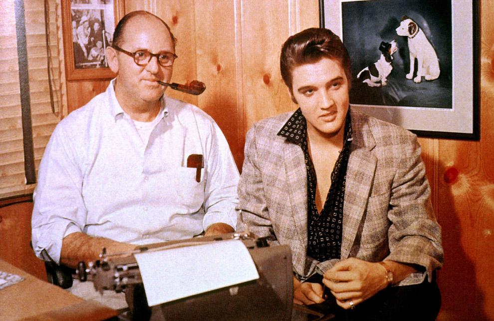 В ноябре 1955 г. Элвис подписал контракт с фирмой звукозаписи RCA Victor