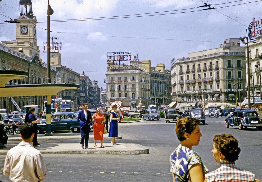Мадрид, площадь Пуэрта-дель-Соль в 1955-м