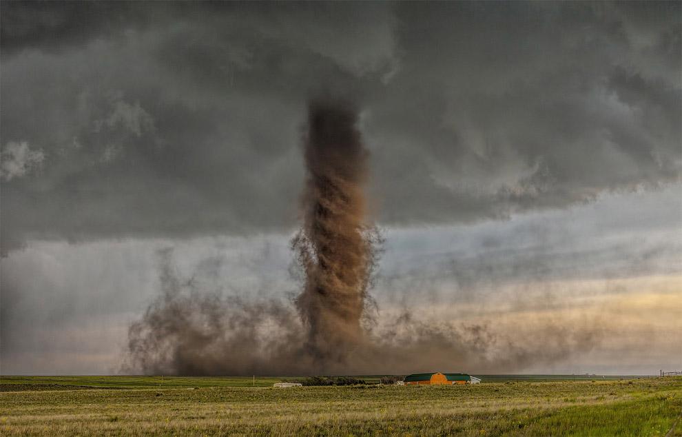 Мощный торнадо в штате Колорадо