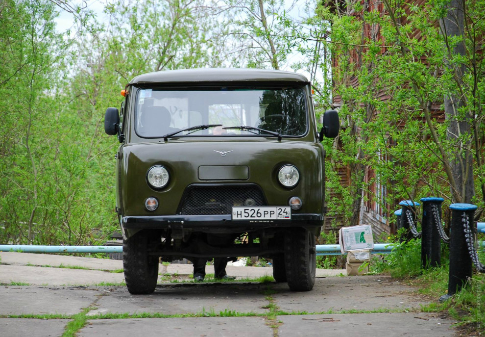 УАЗ −452