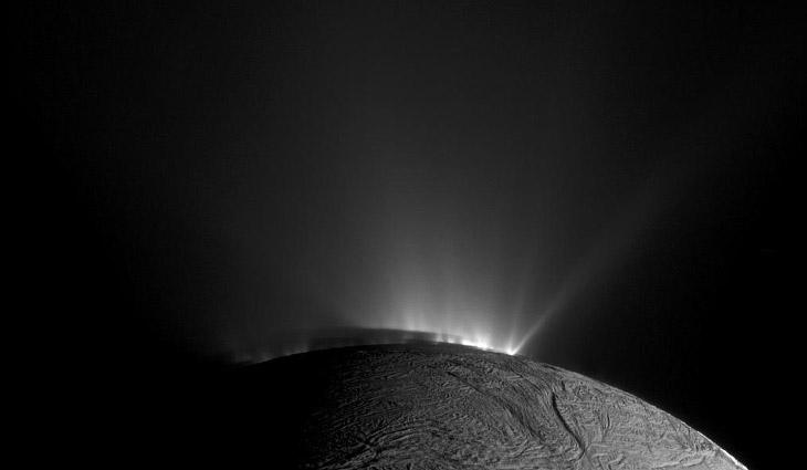 Энцелад—шестой спутник Сатурна