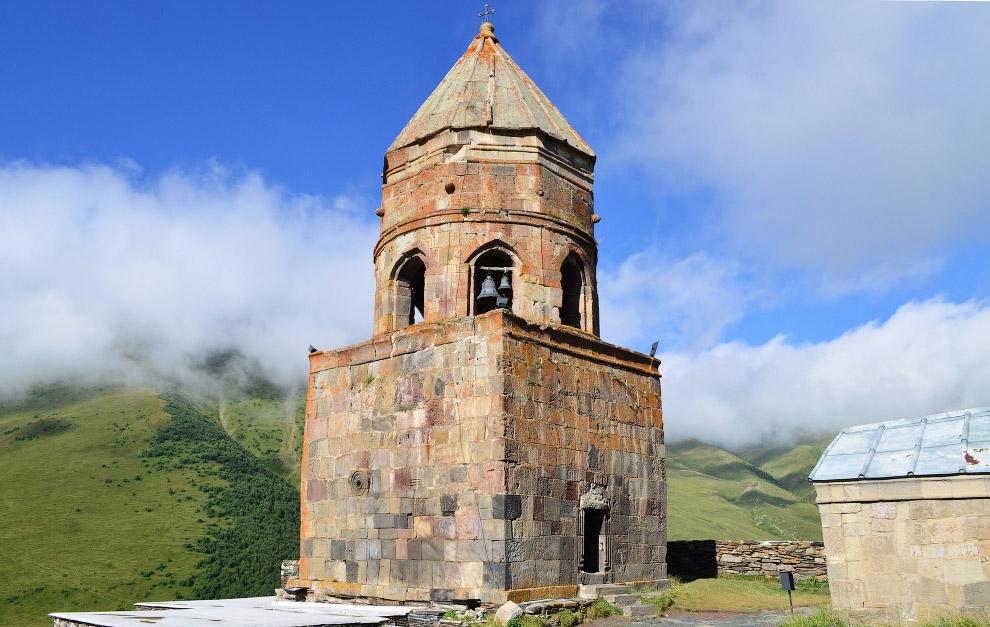 средневековая колокольня
