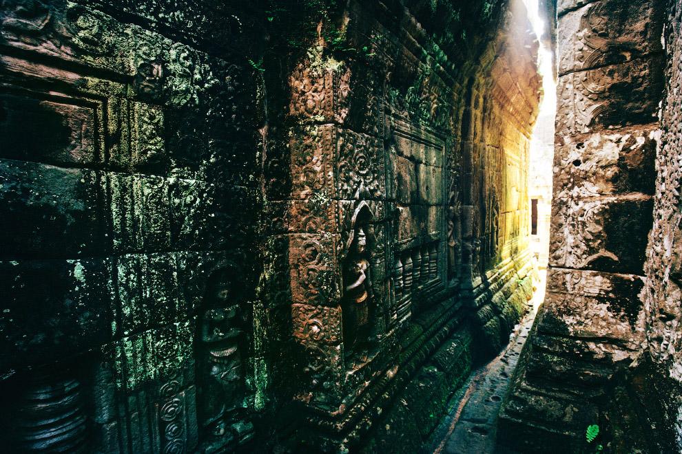 Таинственные интерьеры храмового комплекса Байон