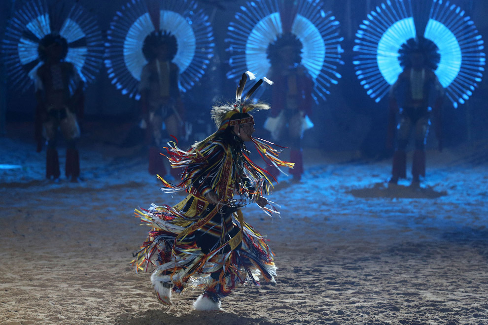 Церемония открытия 1-х Всемирных Игр коренных народов в Пальмасе, Бразилия