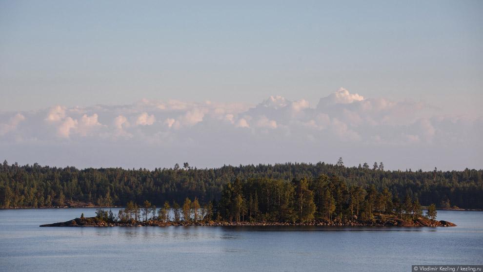 Остров Рускеасаари (Ruskeasaari).
