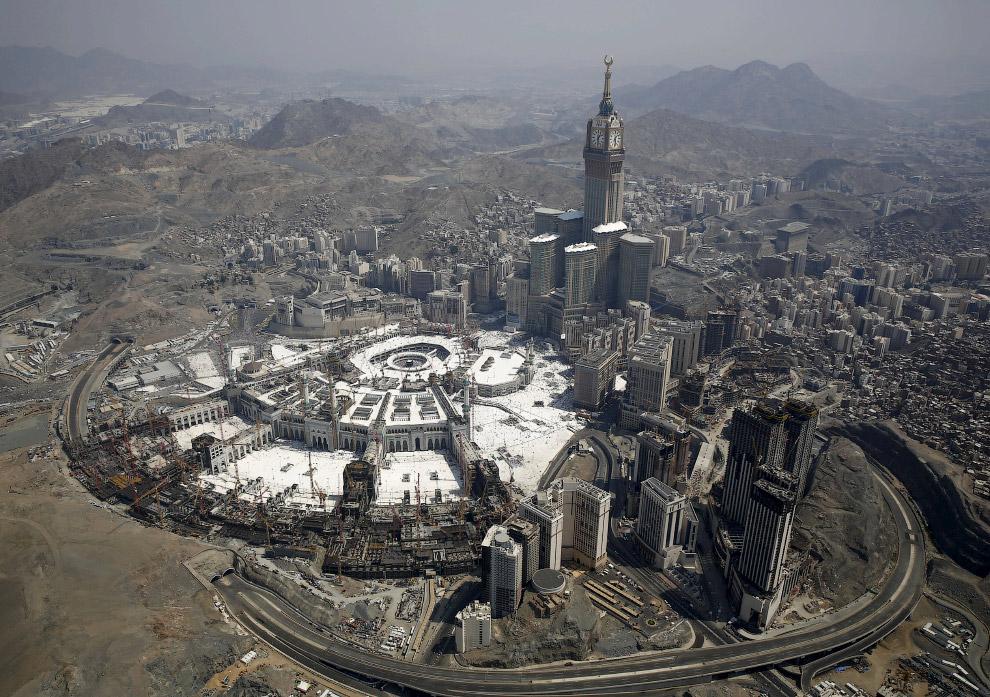 Вид на мечеть Аль-Харам в Мекке