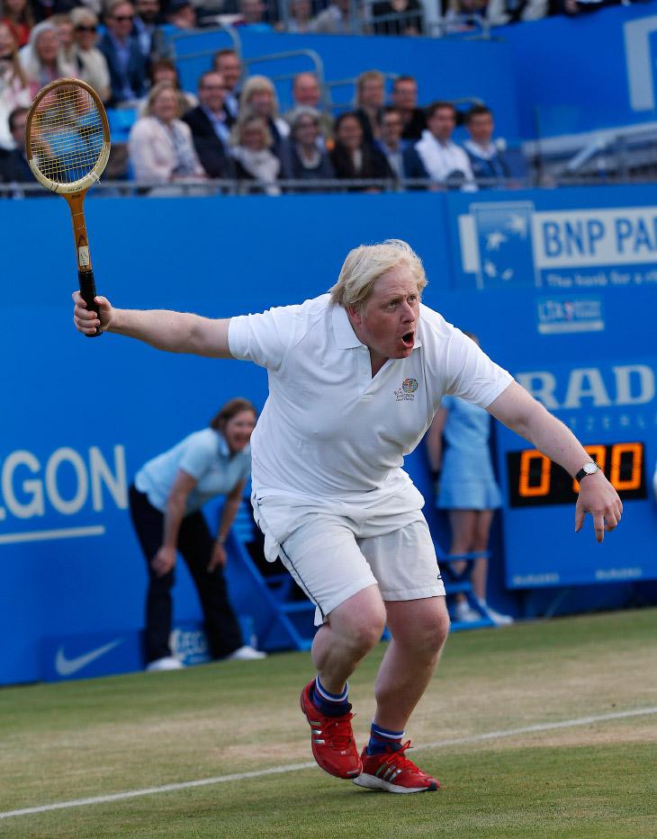 Благотворительный матч на теннисном турнире в Лондоне