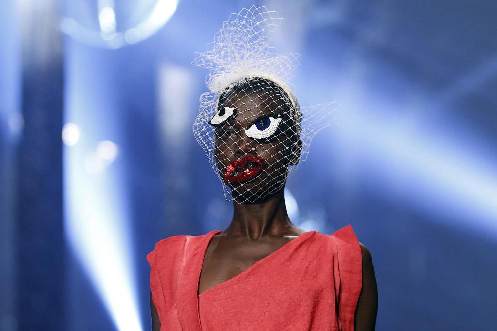 Это была небольшая подборка экстравагантных моделей с Недели моды в Париже 2015