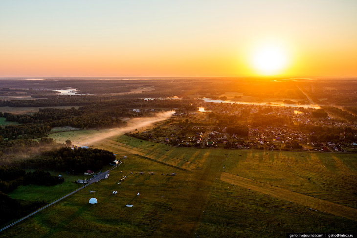 Взлет на рассвете с аэродрома «Мочище».