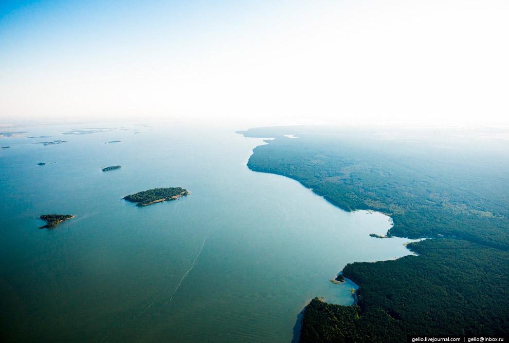 Водохранилище образовано плотиной Новосибирской ГЭС, заполнено в 1957—1959 годах.