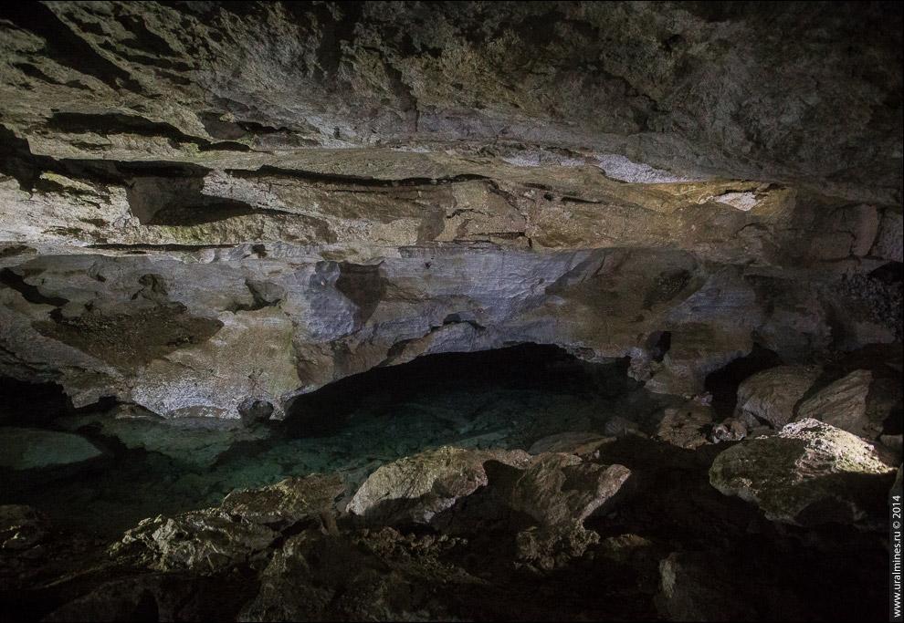 Подземное озеро в гроте «Длинный».