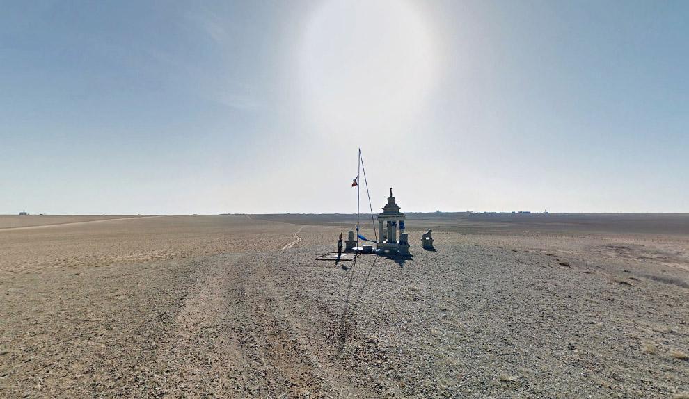 Последняя точка, где есть виды от Гугла в пустыне на юго-востоке Монголии, недалеко от границы с Китаем