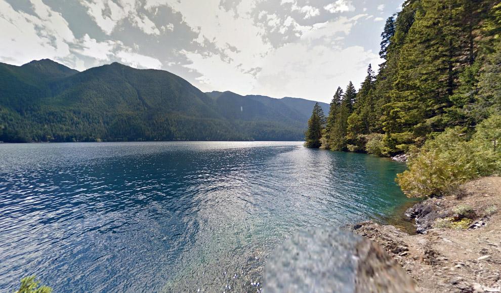 Эта дорога заканчивается красивым озером на Олимпийском полуострове, штат Вашингтон