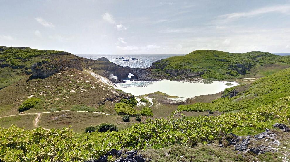 Конец дороги на тропическом острове Минами-джима