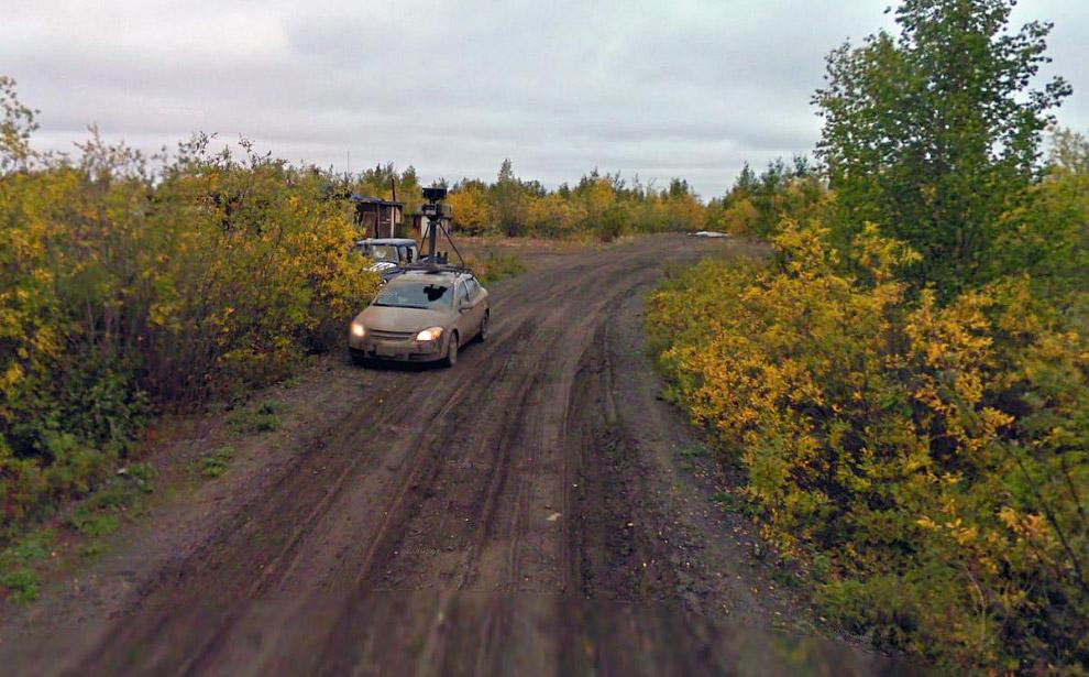 Автомобиль Google Street View заехал в тупик на северо-западе Канады