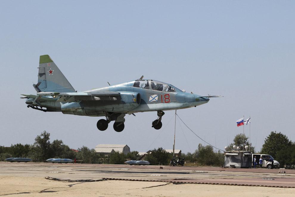 Истребитель Су-25 в Симферополе, 27 августа 2015
