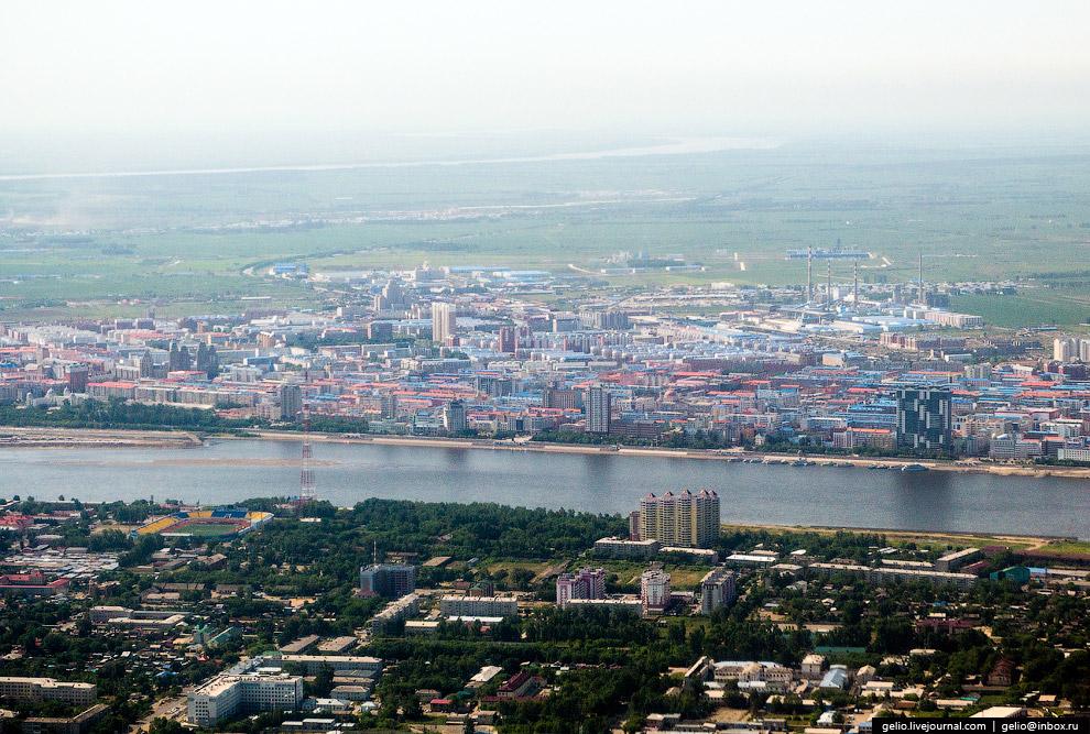 Российский город Благовещенск и китайский город Хэйхэ на другом берегу Амура.
