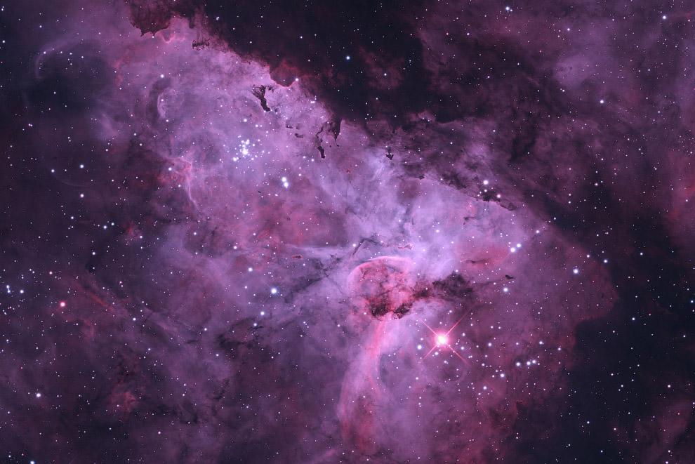 Эмиссионная туманность Киля (область ионизированного водорода) в созвездии Киль