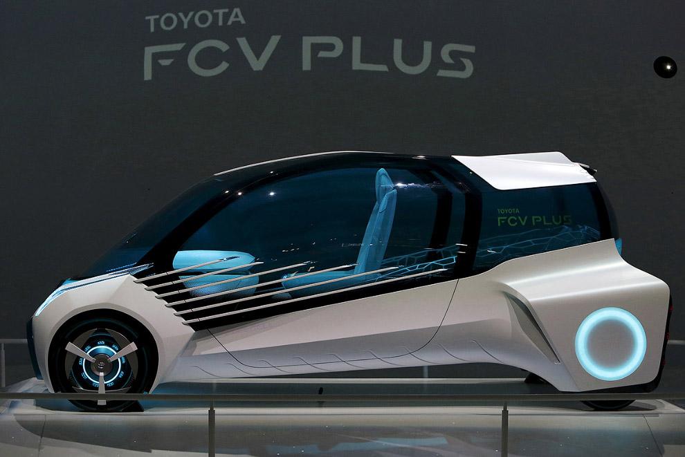 Водородный автомобиль FCV Plus