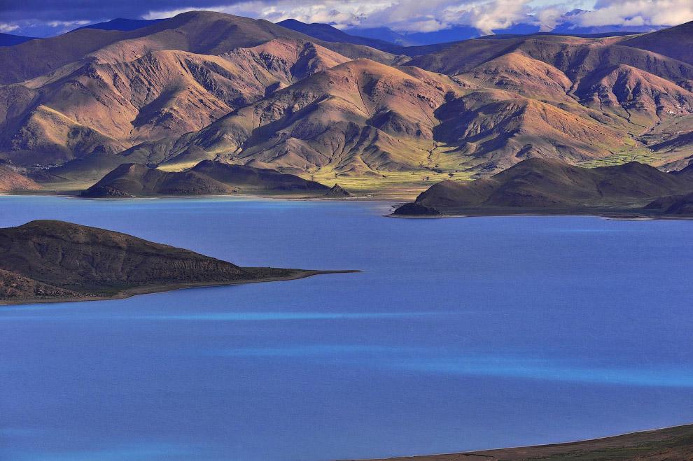 Озеро в префектуре Шаннан