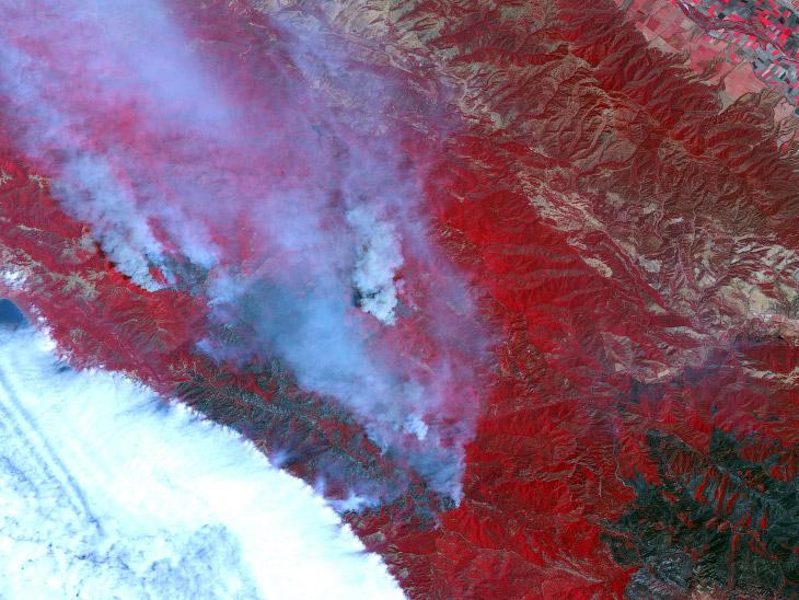 Раскрашенный спутниковый снимок горного хребта Санта-Лусия, Калифорния