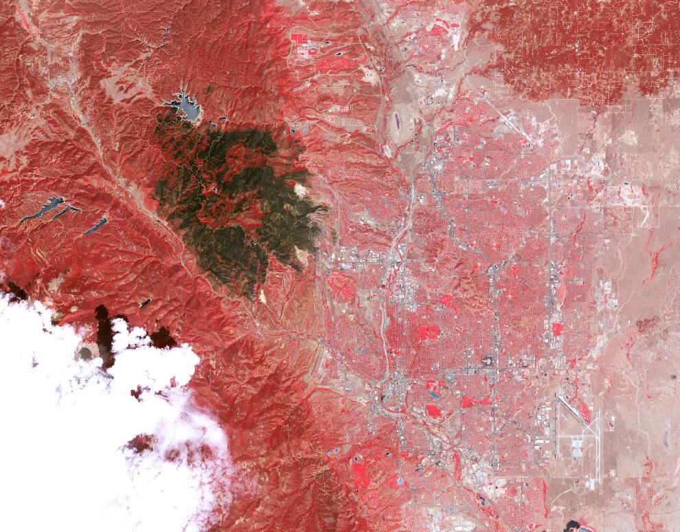 Так выглядит со спутника раскрашенный пожар в Вальдо-Каньоне