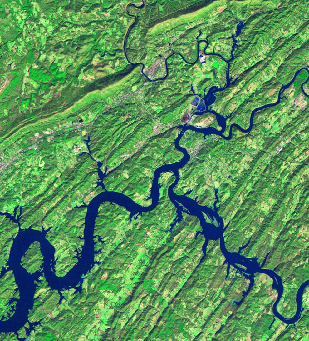 Река. Вид со спутника