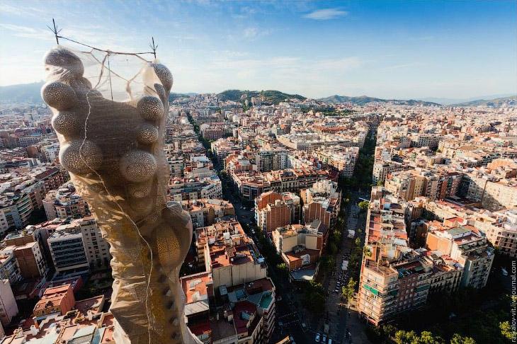 Наверху Храма Святого Семейства в Барселоне