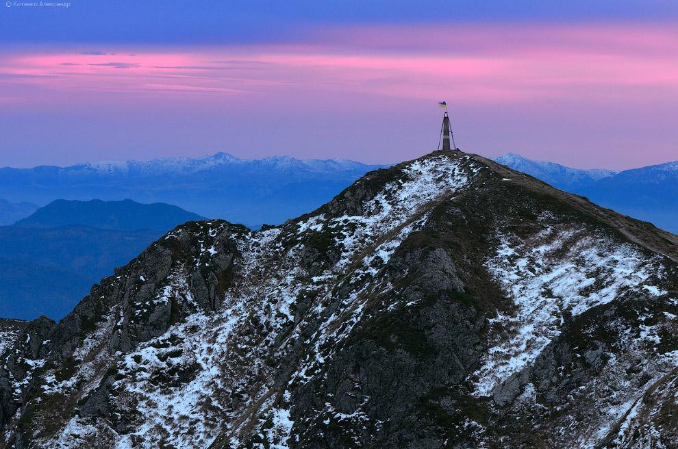 Вершина горы Поп Иван Мармарошский.