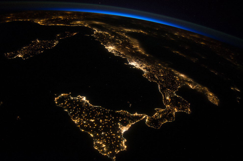 Вид на Италию с борта МКС, 26 июля 2014 года