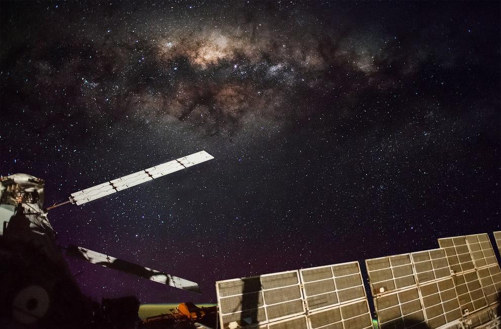 Ночное небо, МКС и Млечный путь