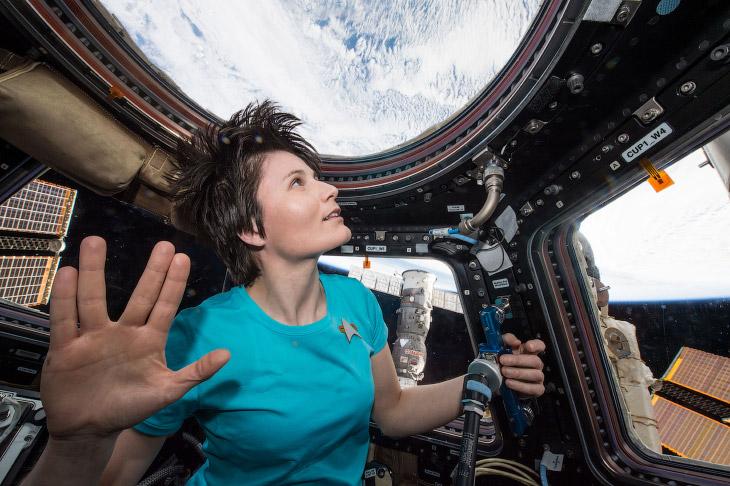 Итальянский астронавт Саманта Кристофоретти на борту МКС, 28 февраля 2015 года.