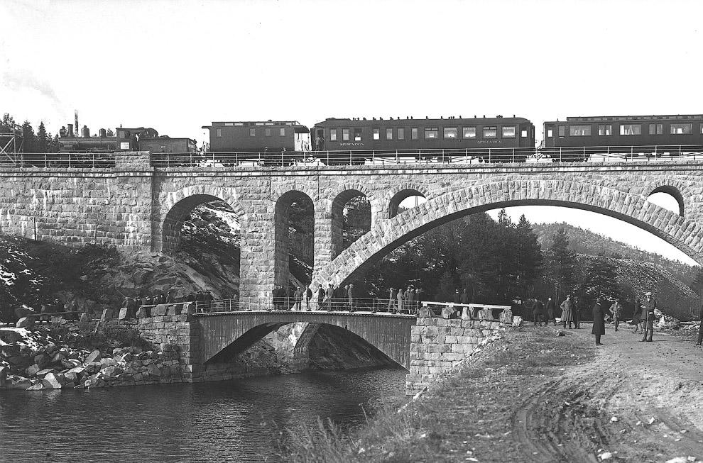 Железнодорожный мост в коммуне Дрангедал