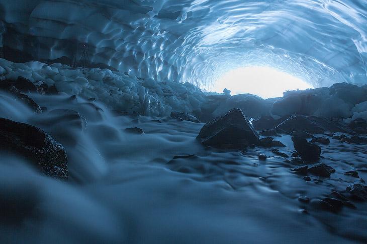 Ледяная пещера, Камчатка