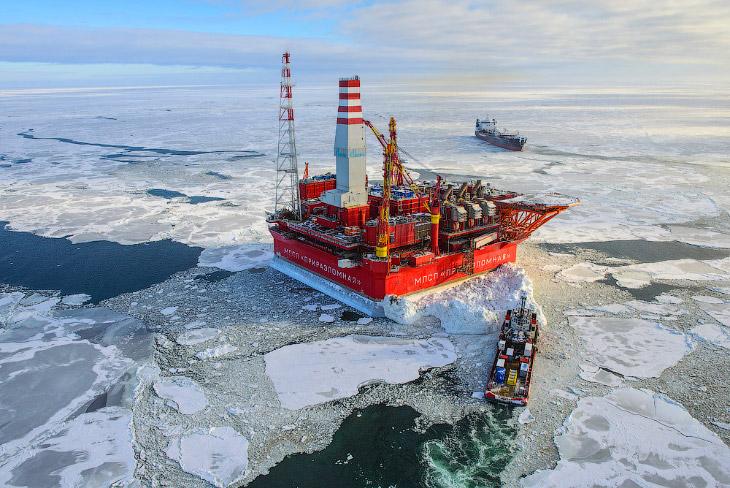 Как добывают нефть в Арктике: платформа «Приразломная»