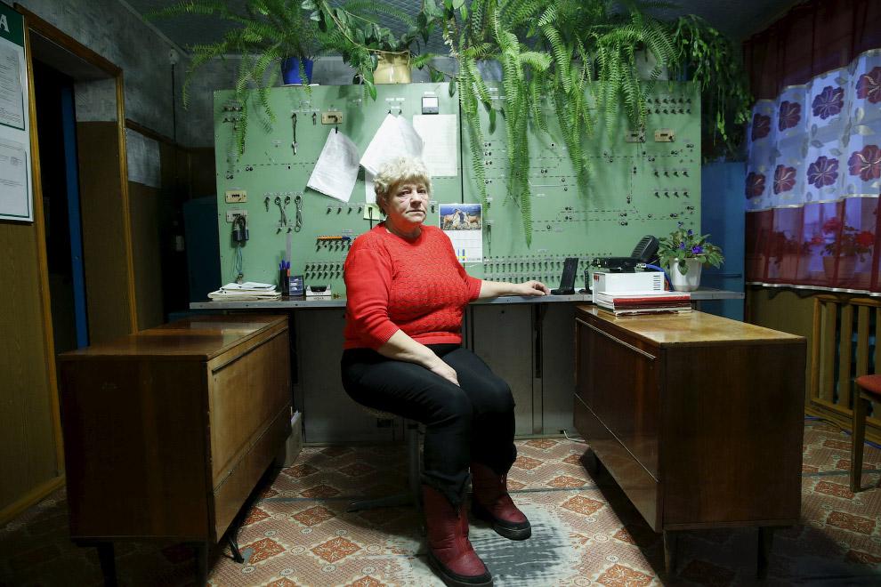Депо, 16 октября 2015. Нина Высотина, 60 лет, из них 42 года проработала на железной дороге