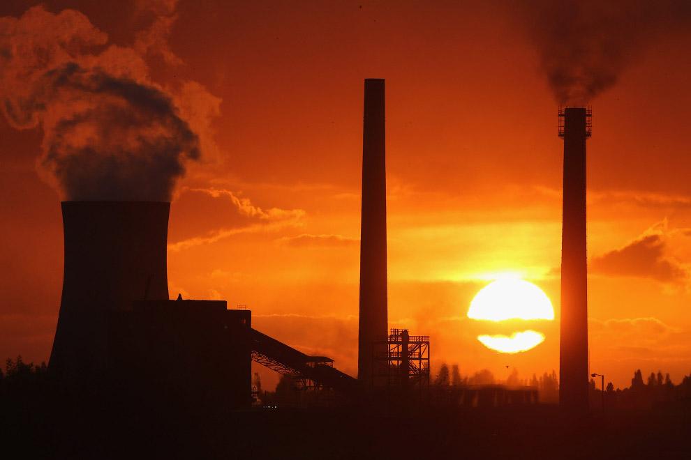 Промисловий пейзаж в місті Сканторп, Англія