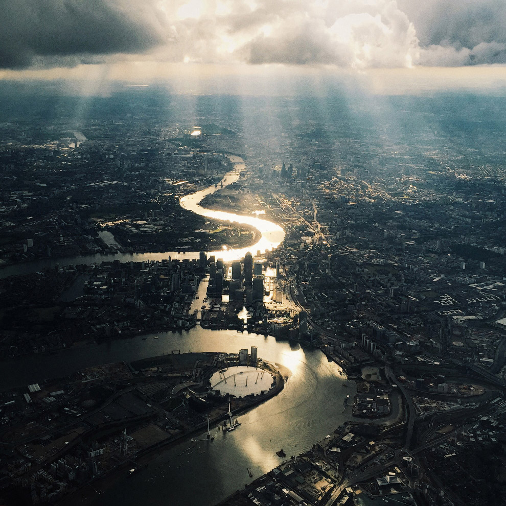 Лондон из окна самолета