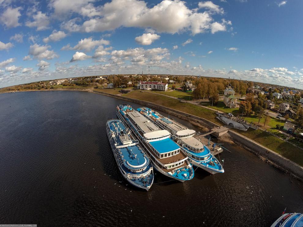 Три судна: «Григорий Пирогов», «Михаил Булгаков» и «Илья Репин»