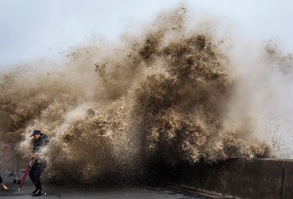 Приливная волна в провинции Чжэцзян
