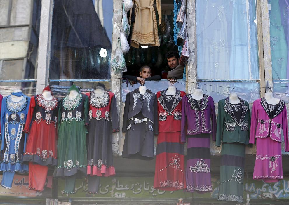 Последний писк моды в магазине женской одежды