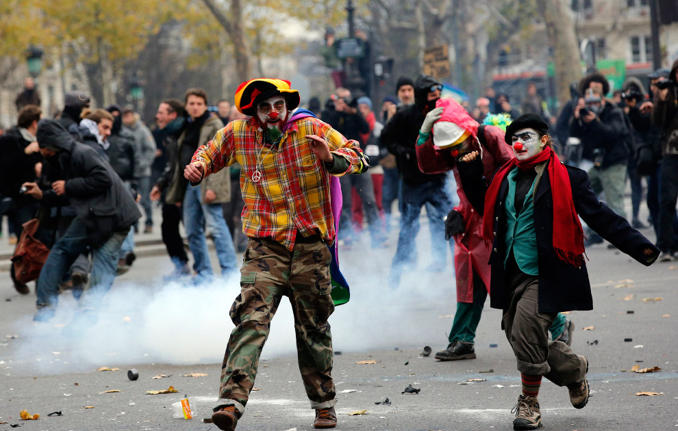 Без столкновений с полицией, бросания камнями, слезоточивого газа – никуда