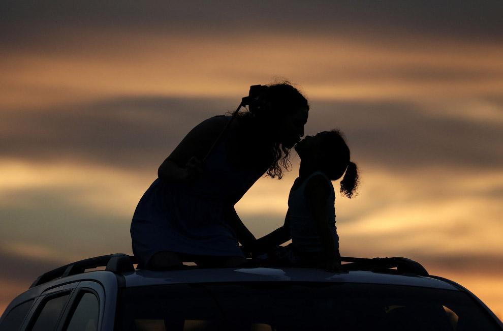 Добрый закат в поле подсолнечников, Канзас