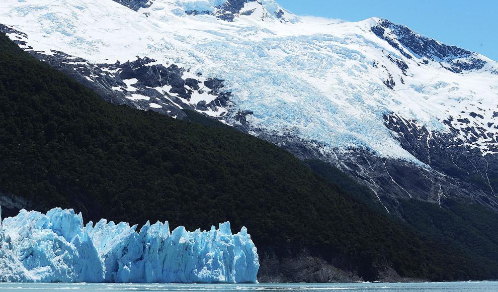 Ледяной массив в Парке является крупнейшим после льдов Антарктиды и Гренландии