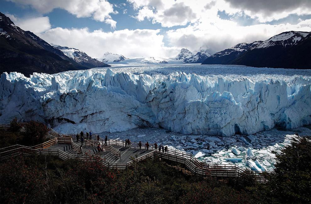 Вид на громадину – ледник Перито-Морено